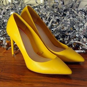 Zara yellow pump